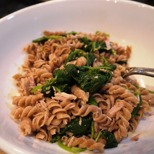 spelt pasta with tuna and spinach
